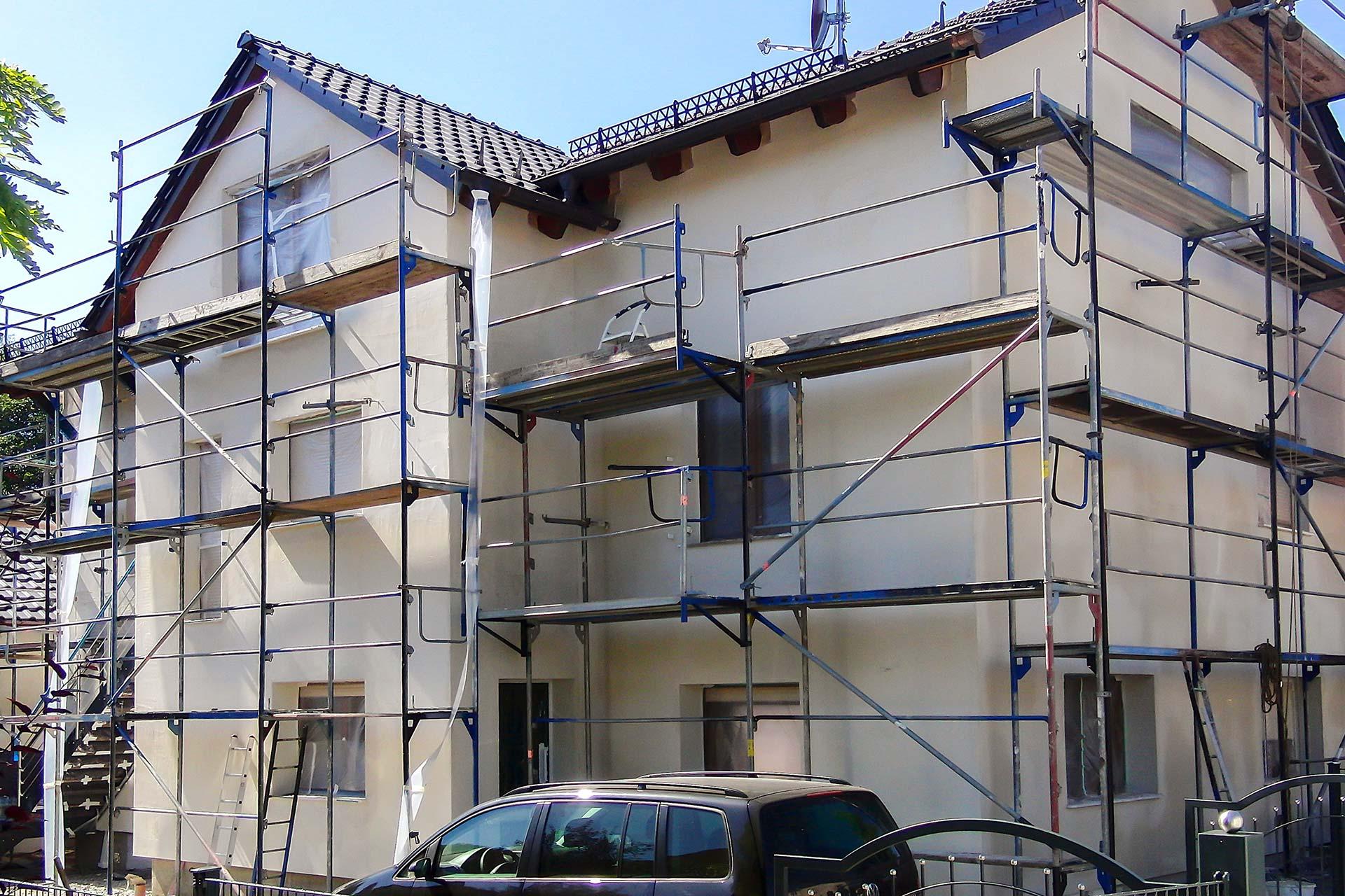 Dämmung und Außenputz eines Wohnhauses - Vorher