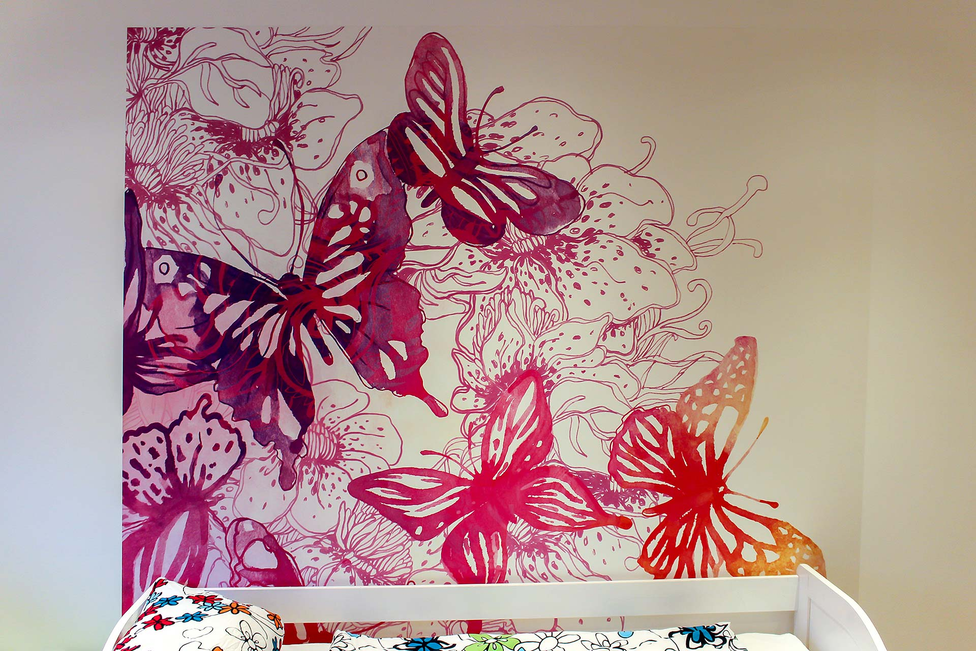 """Kinderzimmer mit Fototapete """"Schmetterlingstraum"""""""